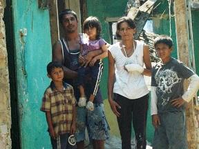 krova njihove porodične kuće u tuzlanskom naselju Kiseljak