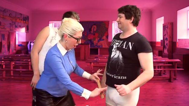 Female solo sex techniques